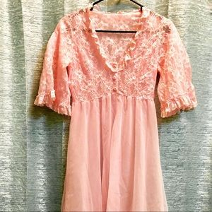 Vintage 1960'S Pink Lace Nightgown 💕💕